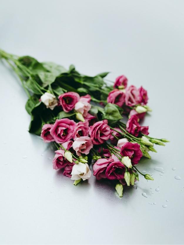 Ramo Lycianthus rosa bonito a domicilio