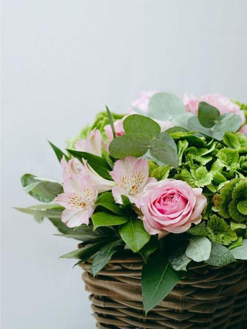 Detalle centro flores roas para regalo bonito